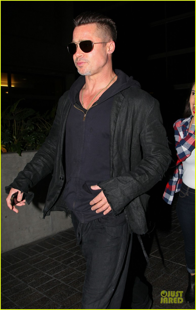 brad pitt lax arrival after angelina jolie difret news 043034040