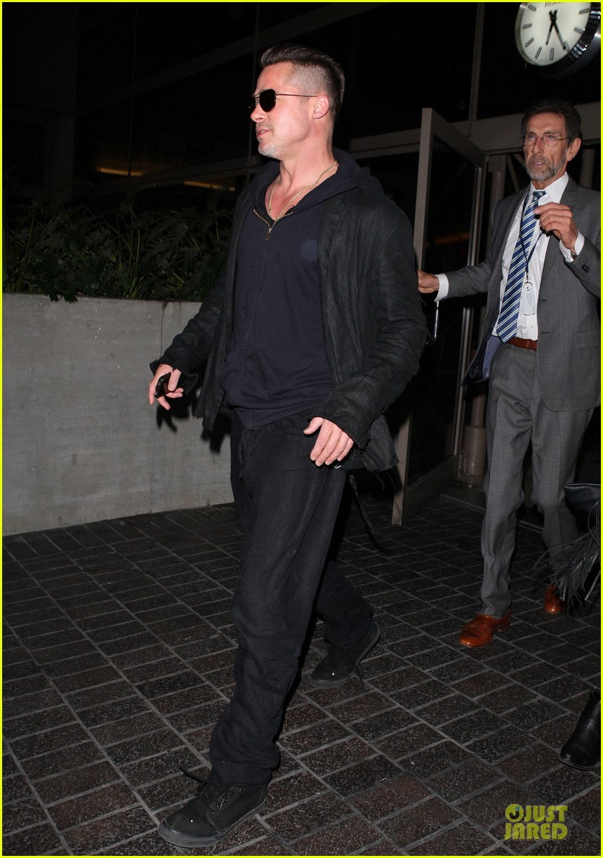 brad pitt lax arrival after angelina jolie difret news 163034052