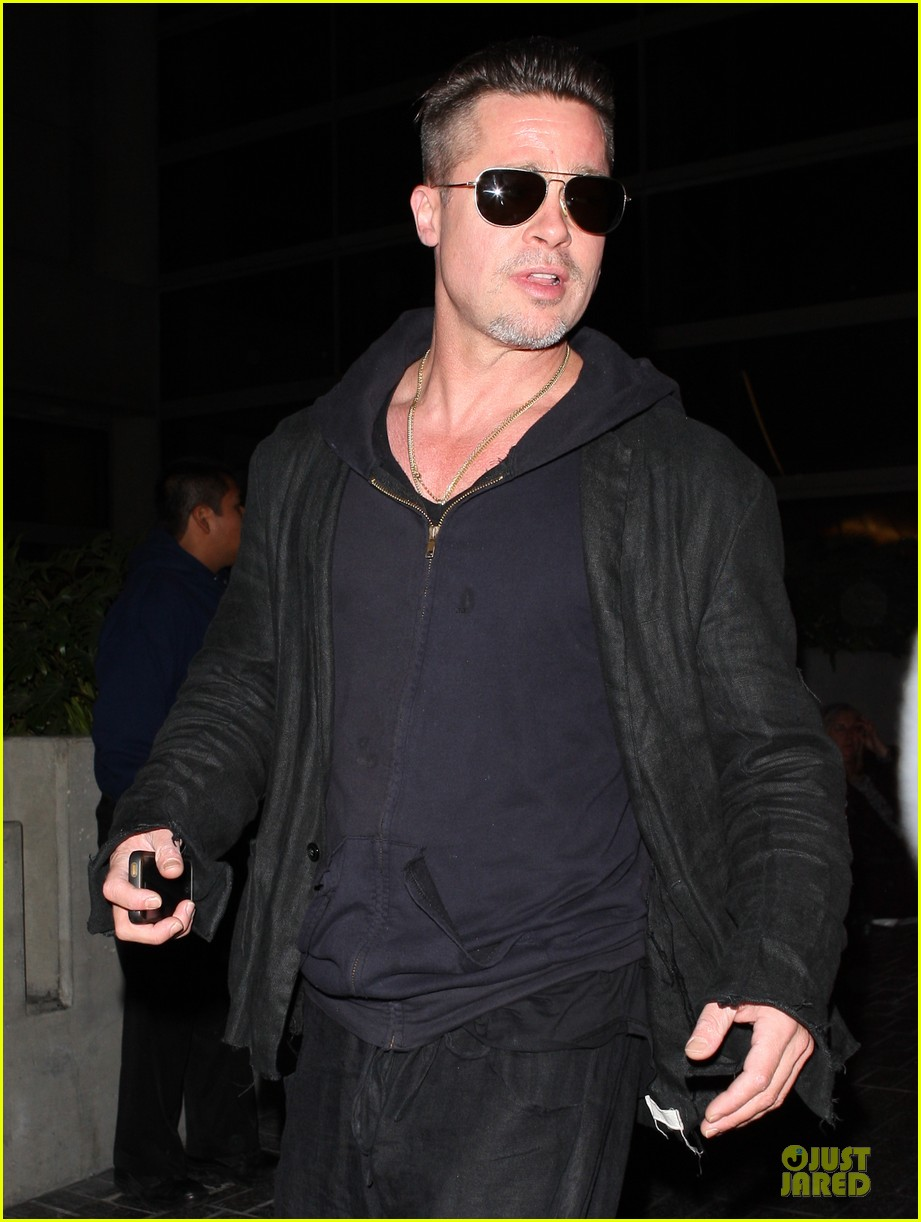 brad pitt lax arrival after angelina jolie difret news 173034053