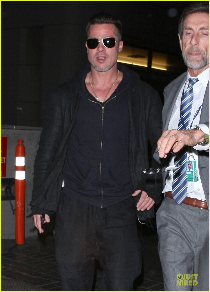 brad pitt lax arrival after angelina jolie difret news 243034060