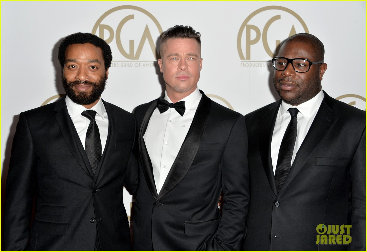 brad pitt producers guild awards 2014 with chiwetel ejiofor 123035875
