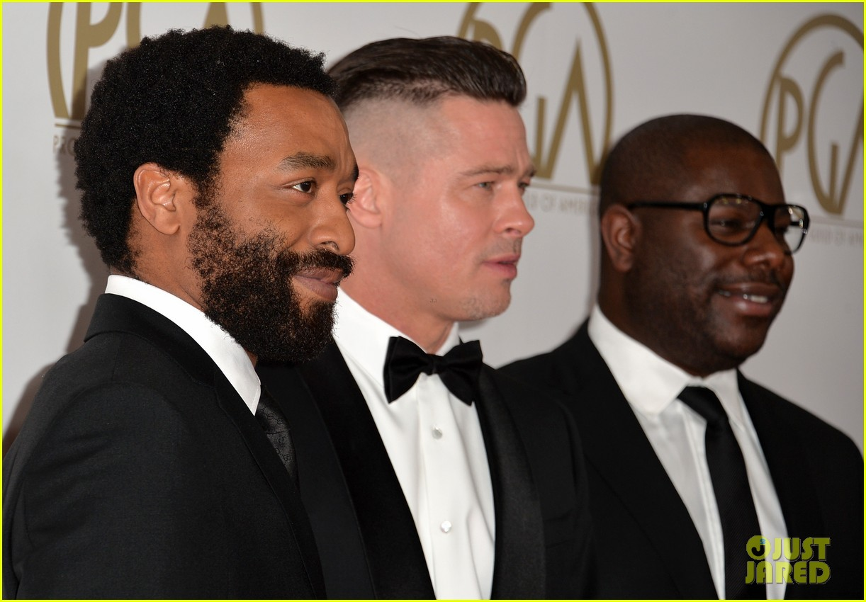 brad pitt producers guild awards 2014 with chiwetel ejiofor 133035876
