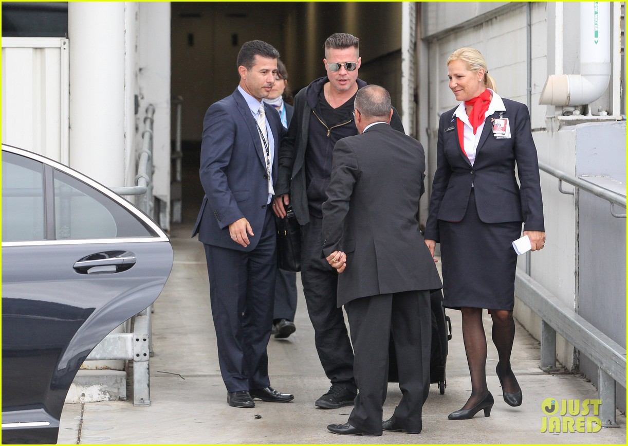 brad pitt touches down in sydney after awards weekend 103036658