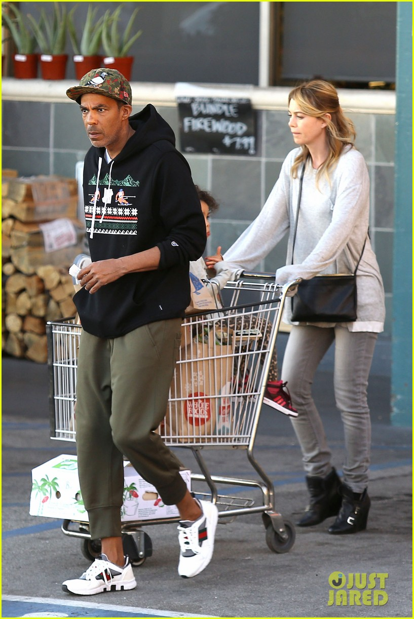 ellen pompeo spills her coconuts in whole foods lot 053024480