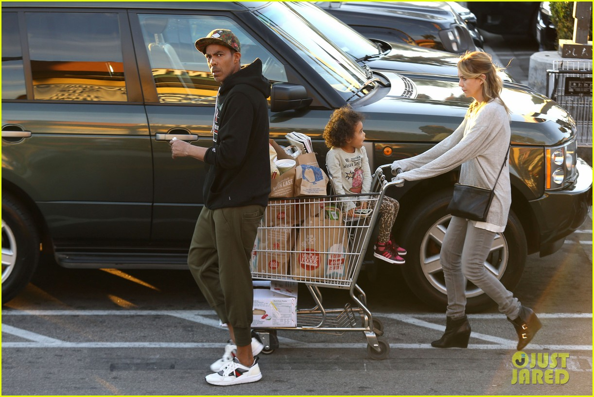 ellen pompeo spills her coconuts in whole foods lot 193024494