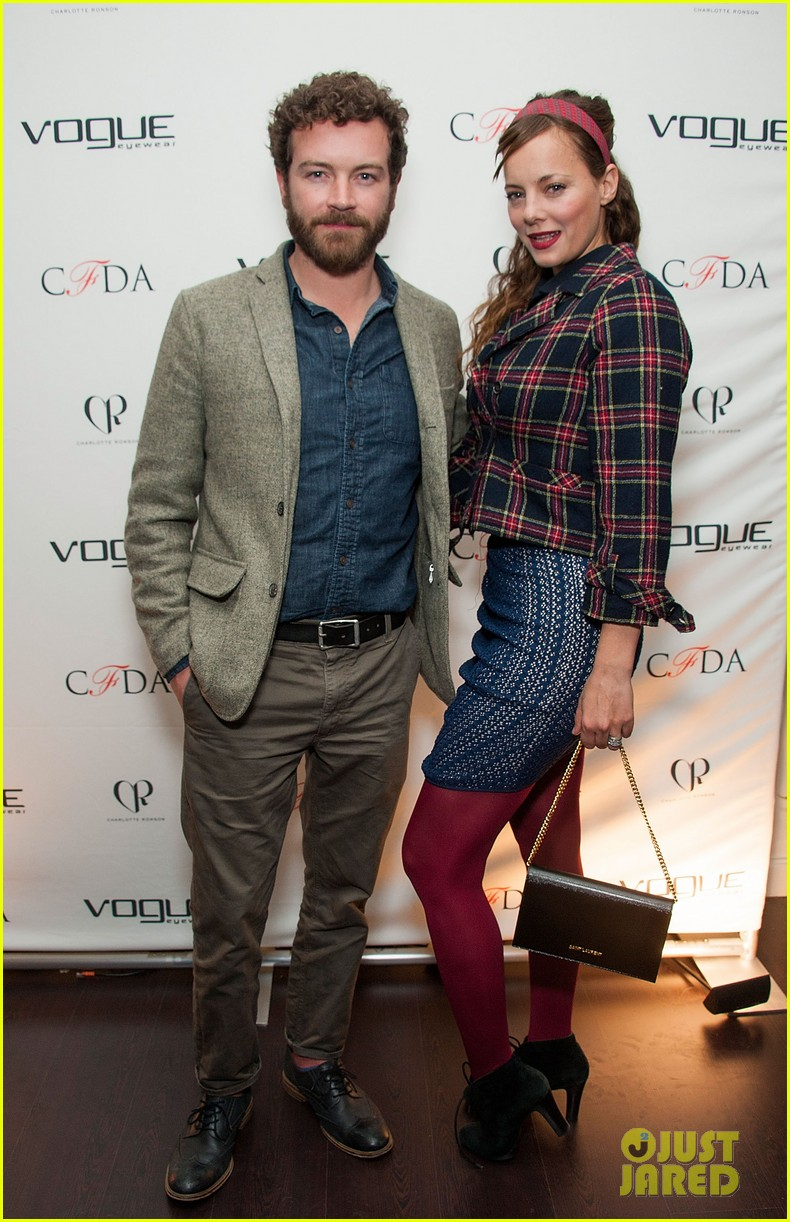 ellen pompeo vogue eyewear event 033031945