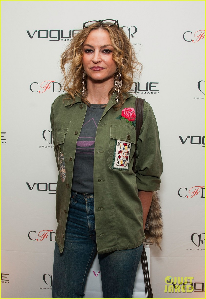 ellen pompeo vogue eyewear event 163031958