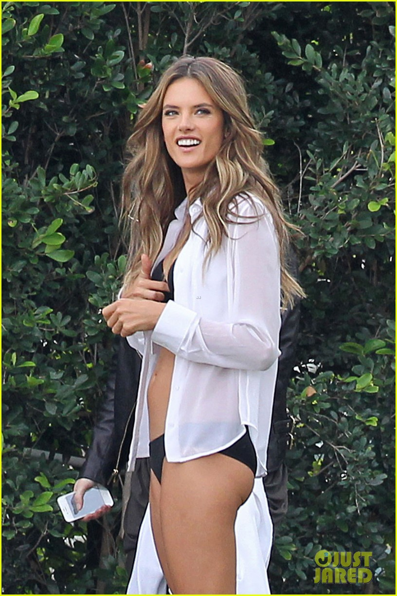 behati prinsloo alessandra ambrosios bikini bodies will make you head to the gym right now 073044532