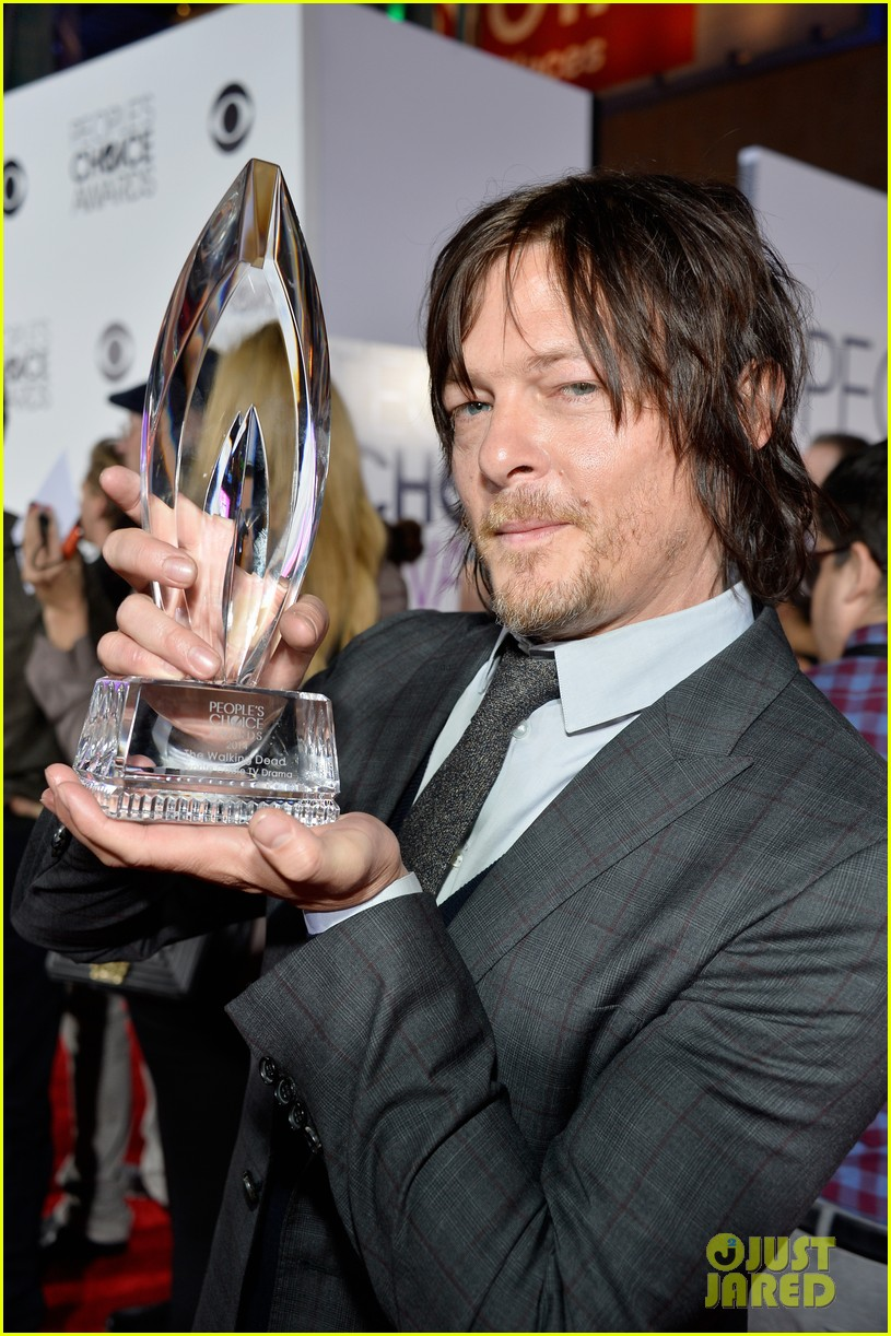 norman reedus peoples choice awards 2014 presenter 093025836
