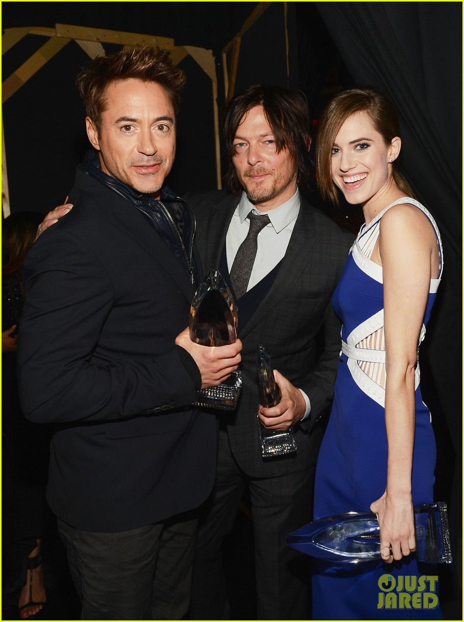 norman reedus peoples choice awards 2014 presenter 103025837