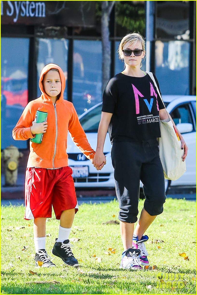 reese witherspoon busy saturday with son deacon 163035545