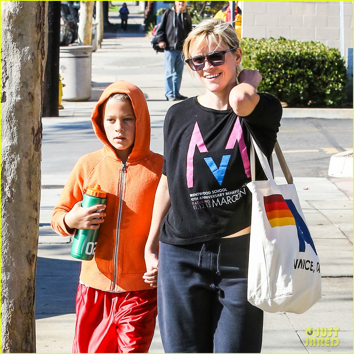 reese witherspoon busy saturday with son deacon 203035549