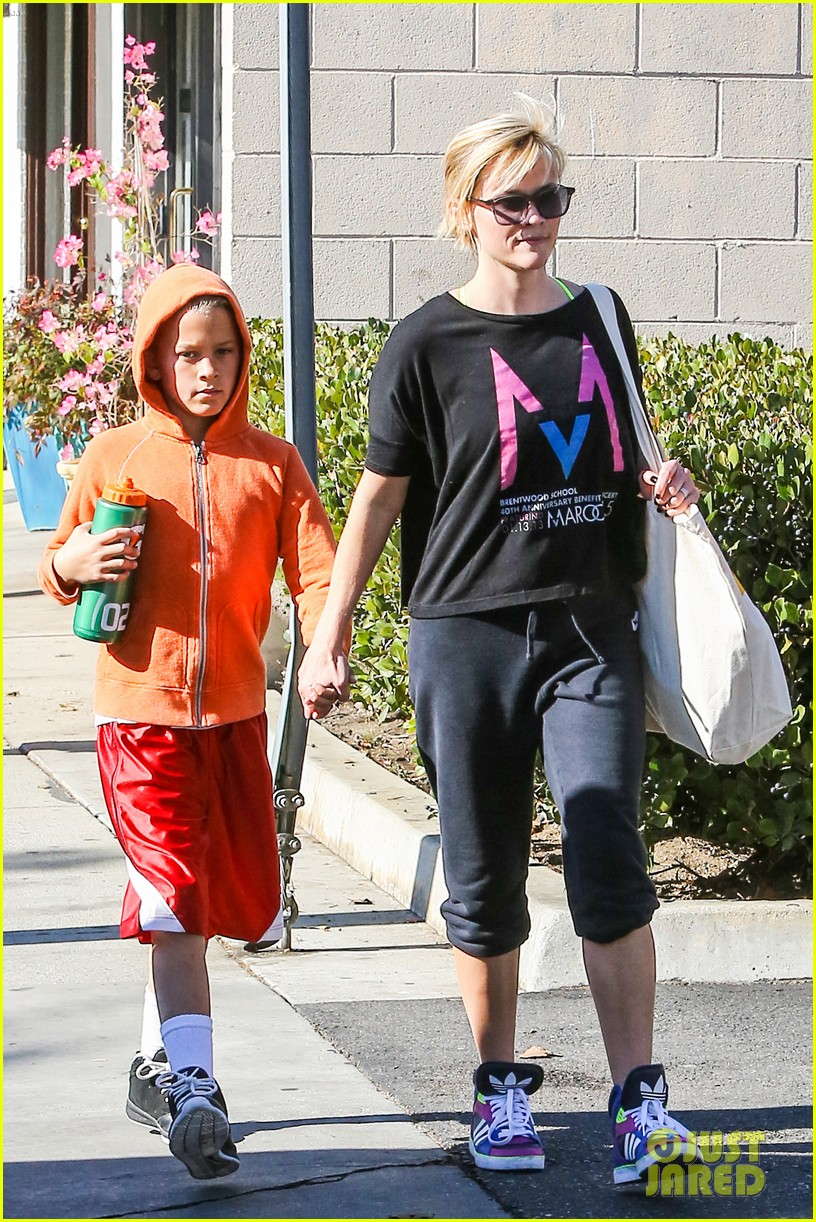reese witherspoon busy saturday with son deacon 253035554