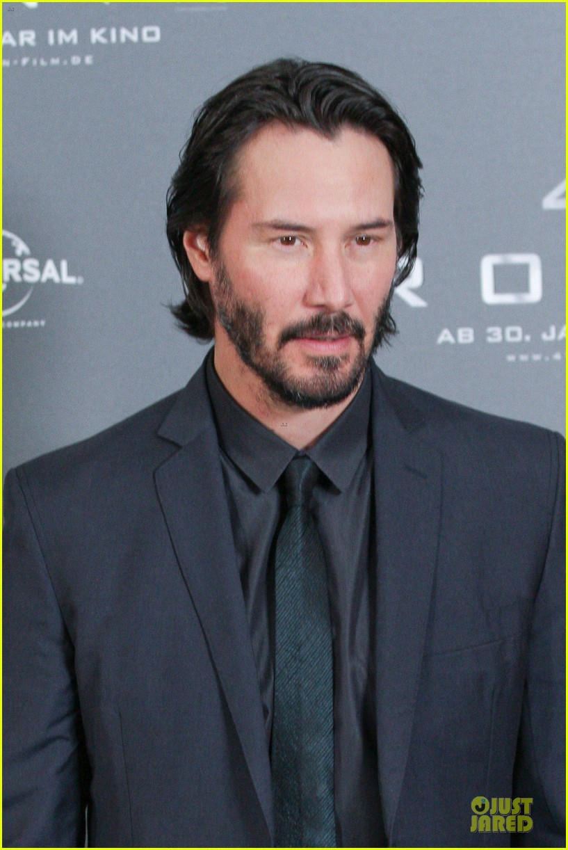 keanu reeves 47 ronin munich photo call 08