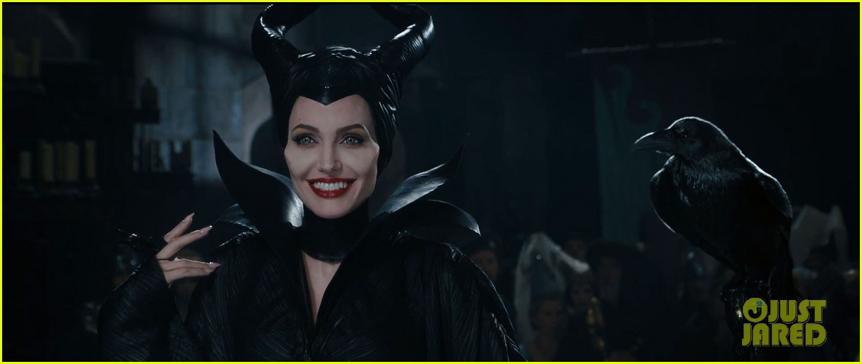 lana del rey sings in angelina jolies new maleficent trailer 013041345