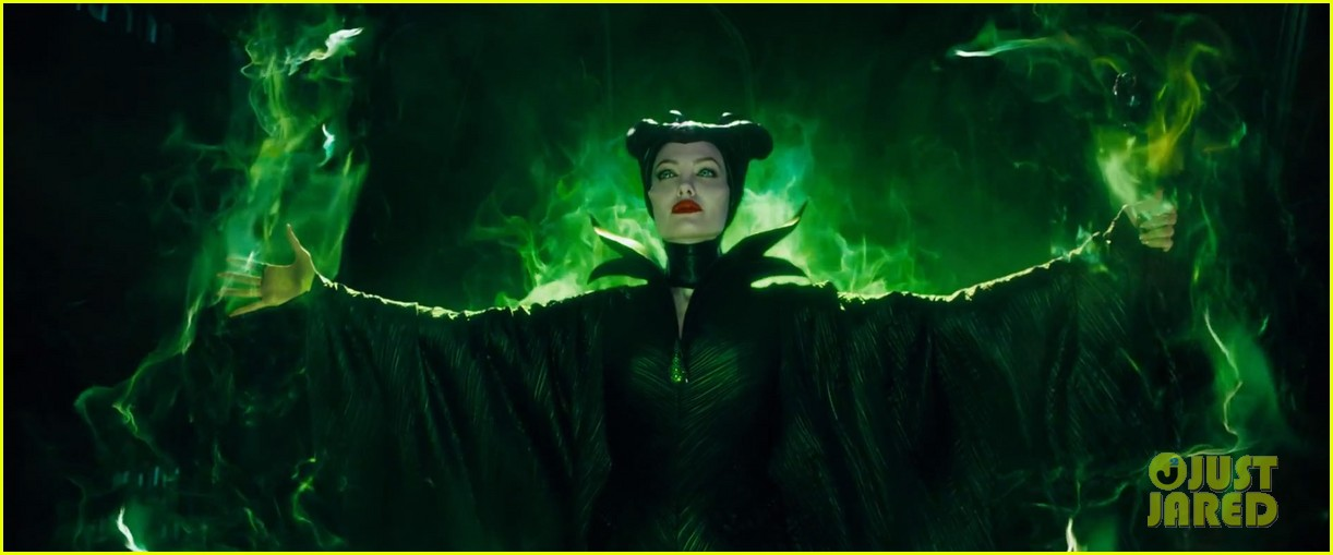 lana del rey sings in angelina jolies new maleficent trailer 083041352