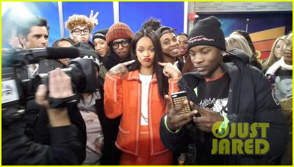 rihanna braves winter chill for good morning america interview 043043491