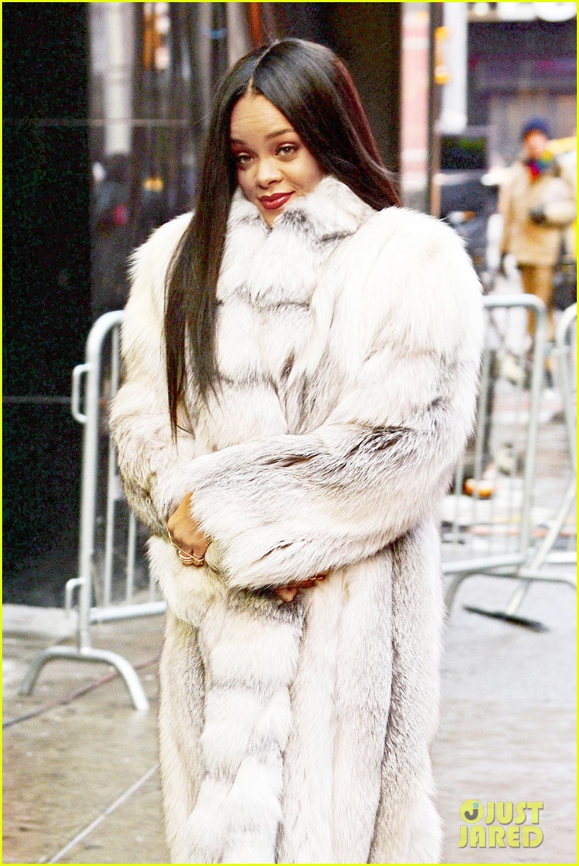 rihanna braves winter chill for good morning america interview 07