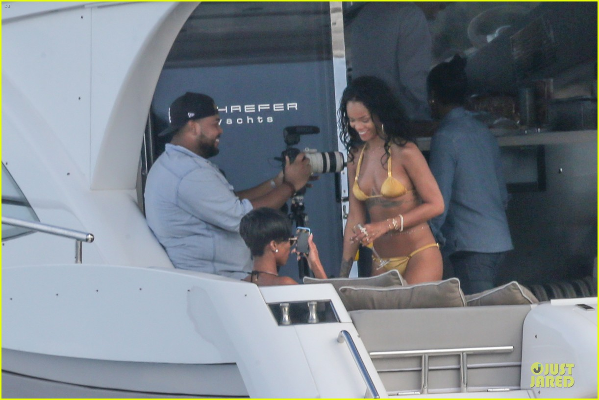 rihanna gold bikini beach babe in brazil 02