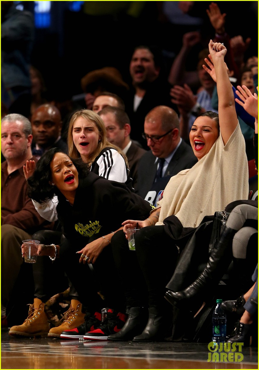 rihanna cara delevingne root for brooklyn nets 08