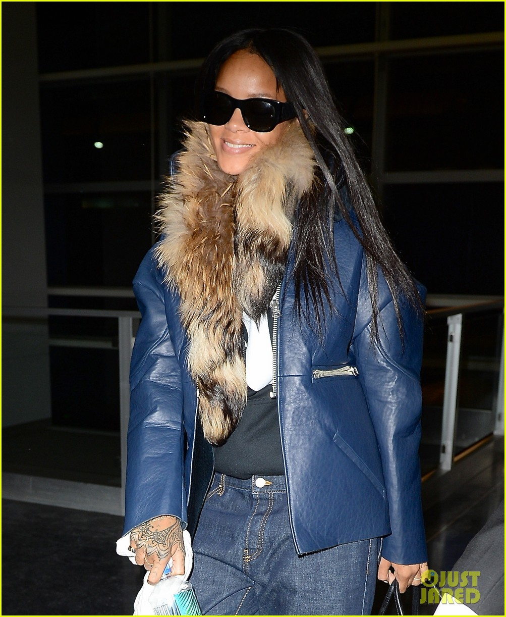rihanna disses sarah hyland but she seems fine with it 023044570