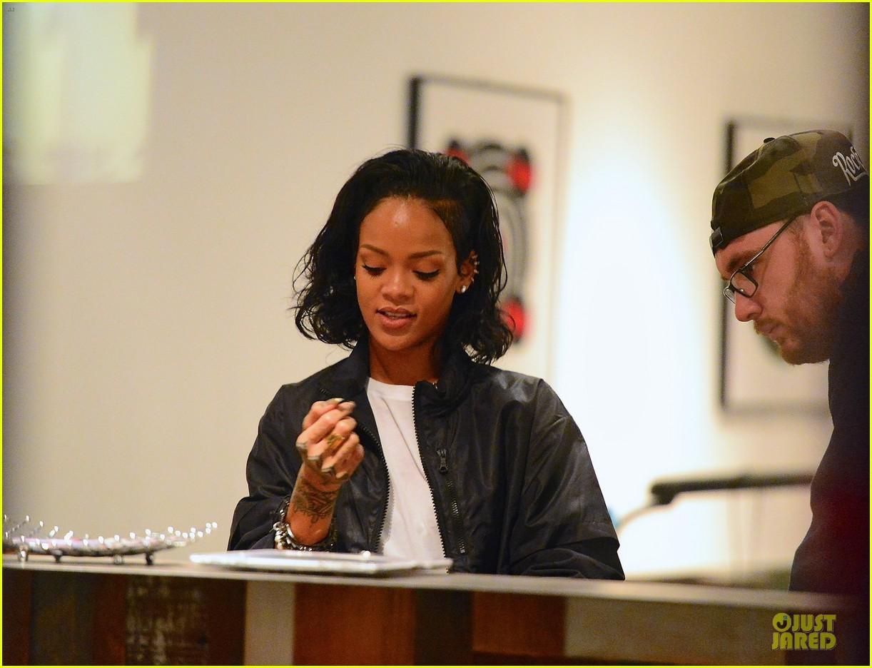 rihanna celebrates brooklyn nets win with new tattoo 053027844
