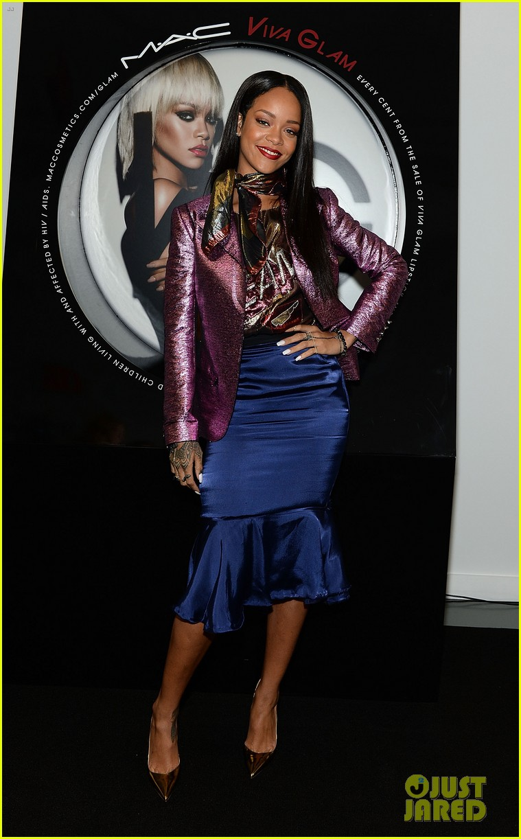 rihanna launches her viva glam cosmetics line in nyc 013043691