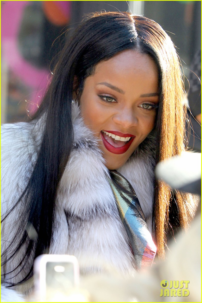 rihanna launches her viva glam cosmetics line in nyc 123043702