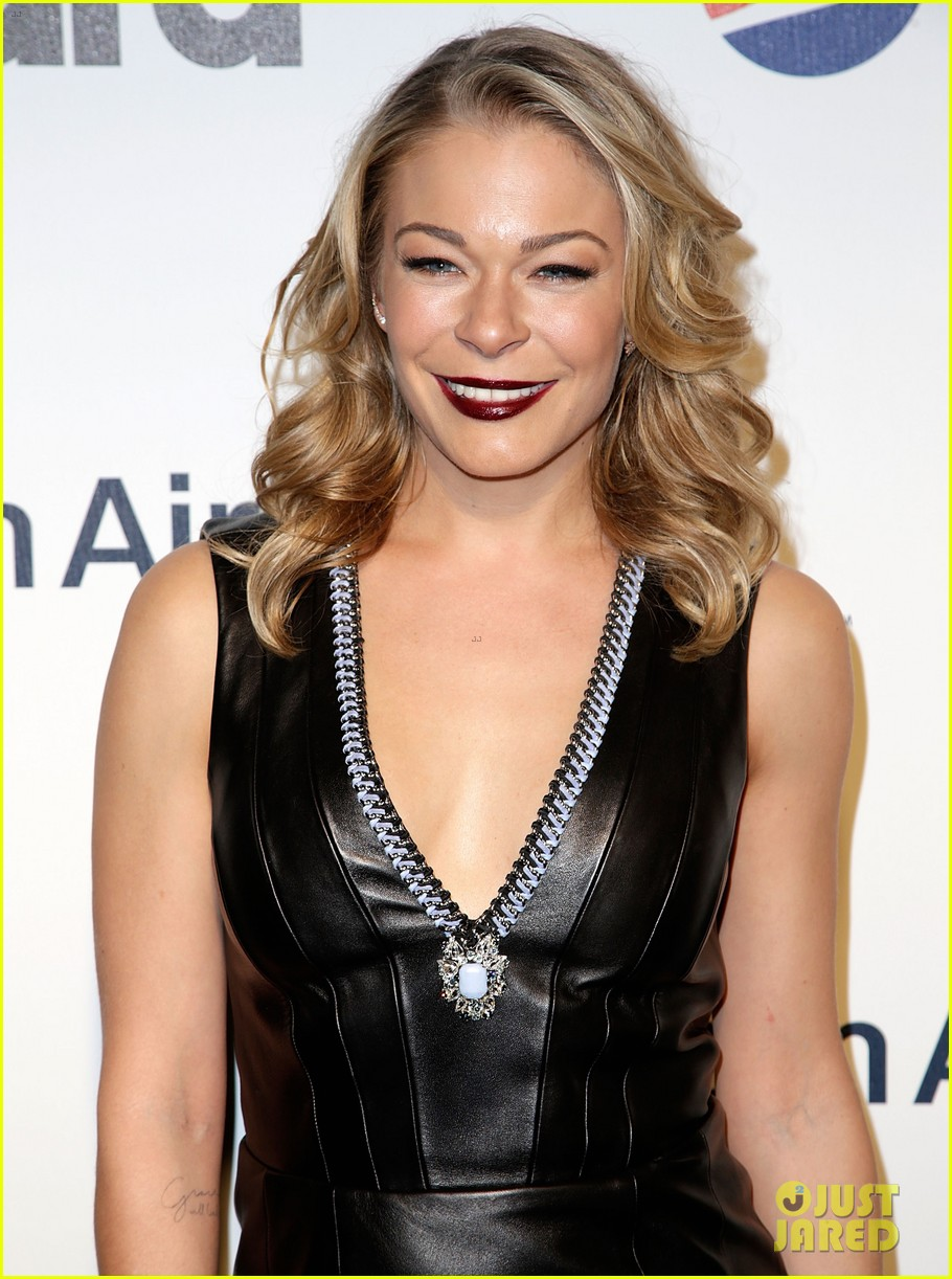 leann rimes billboards power 100 event with eddie cibrian 043038907