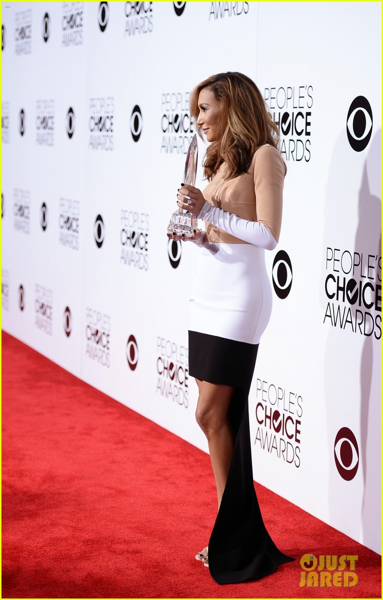 naya rivera goes blonde at peoples choice awards 2014 15