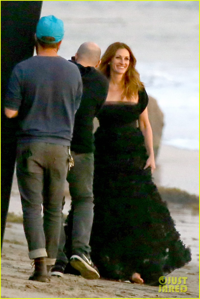 julia roberts wears elegant gown for beach photo shoot 073043848