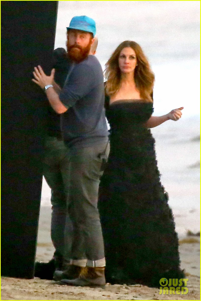 julia roberts wears elegant gown for beach photo shoot 083043849