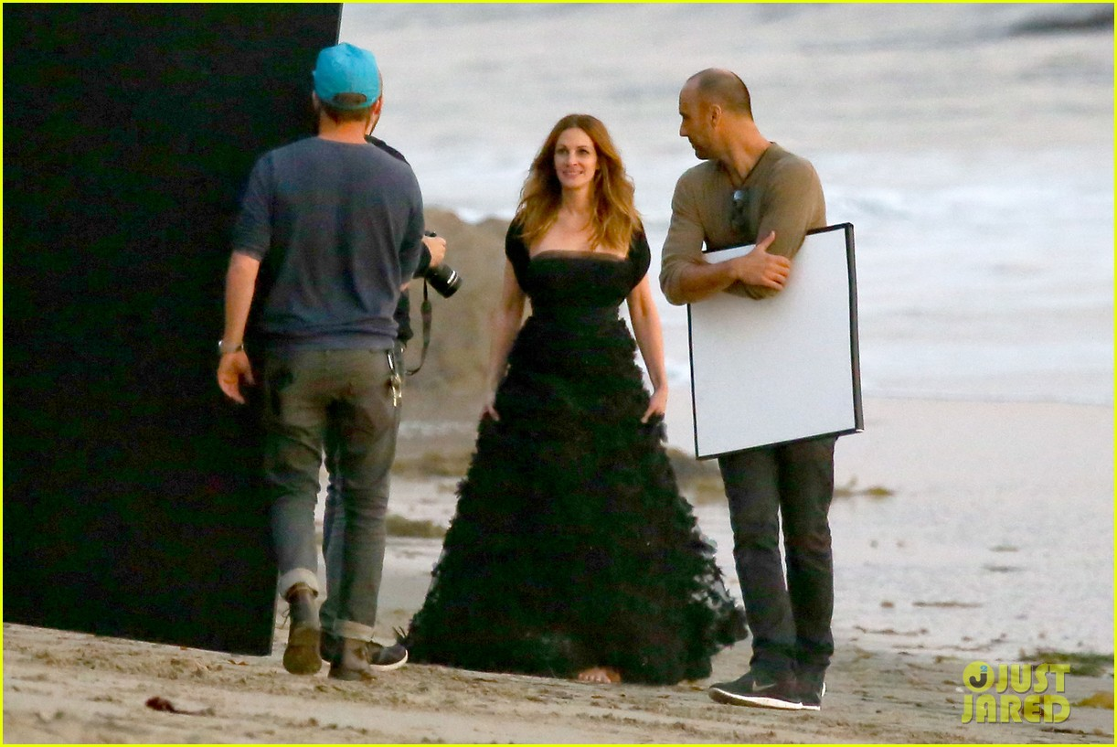 julia roberts wears elegant gown for beach photo shoot 113043852