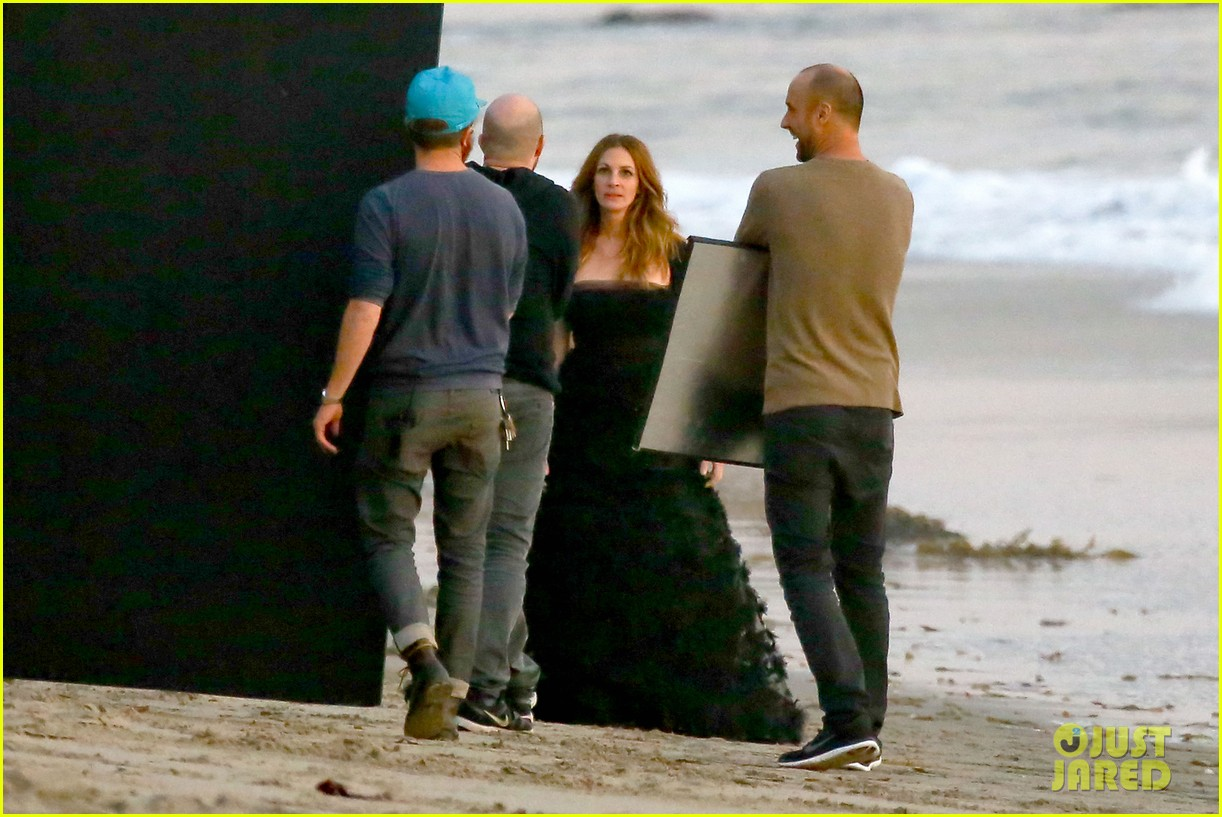 julia roberts wears elegant gown for beach photo shoot 123043853