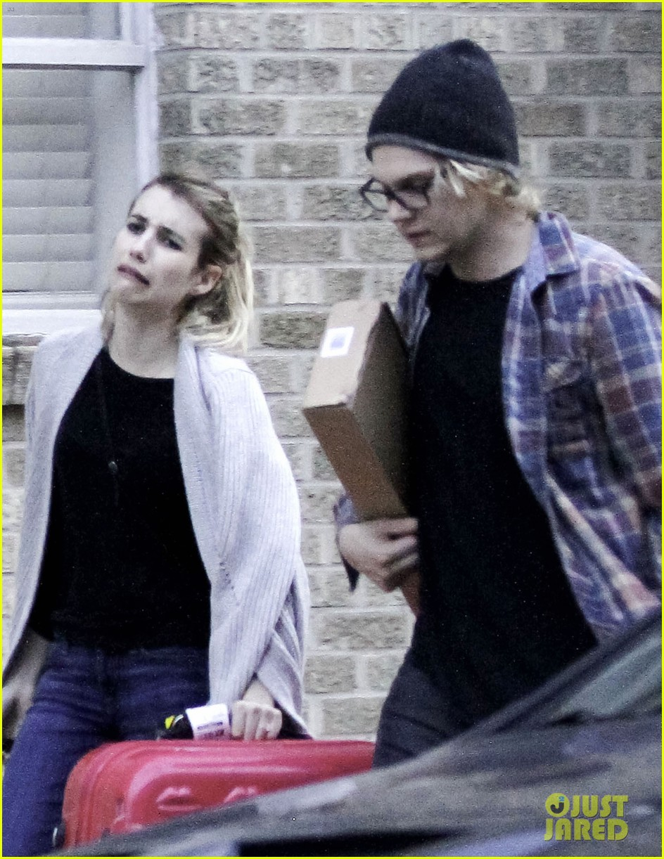 emma roberts engaged to evan peters 023023792