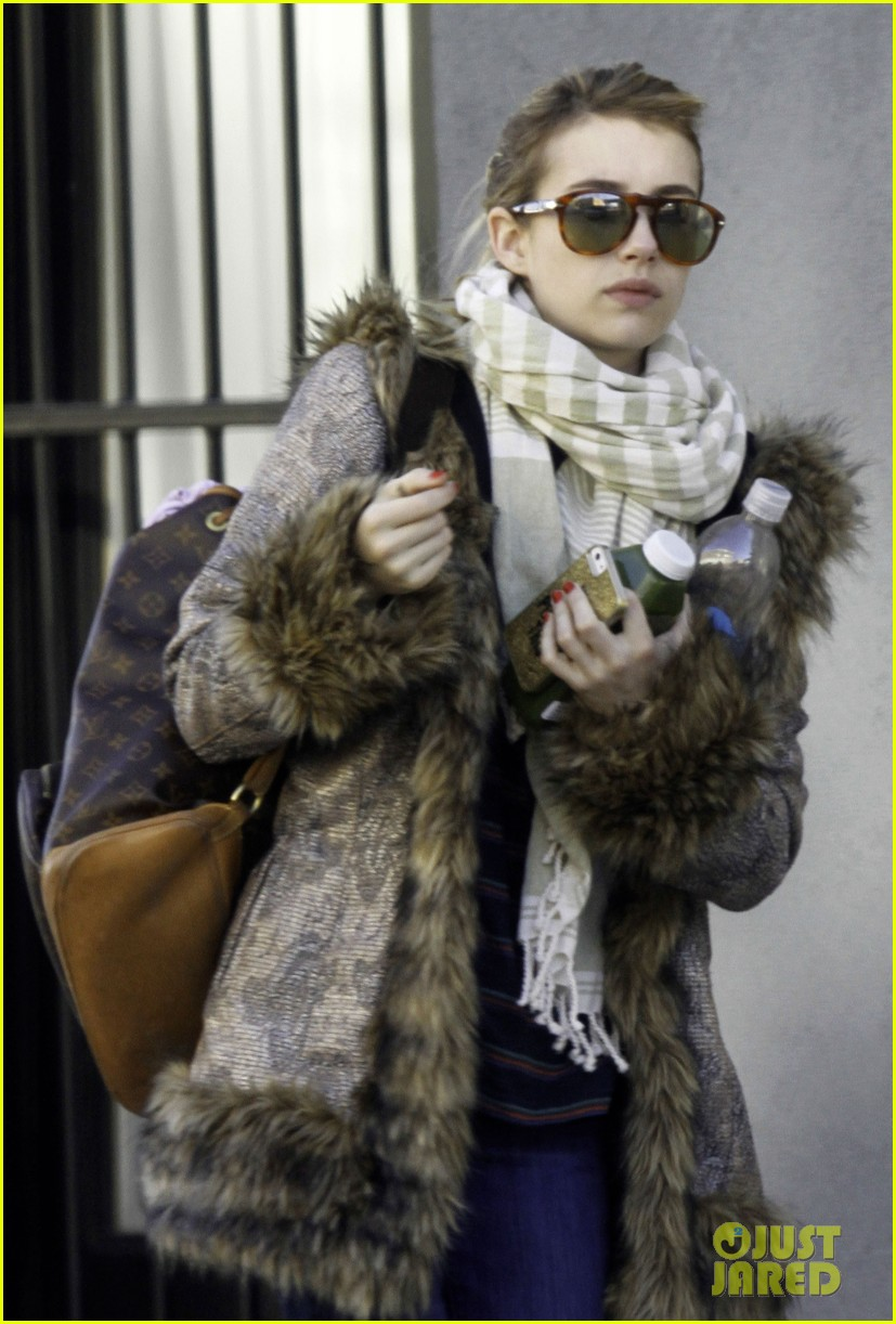 emma roberts steps out without ring after evan peters engagement 063025319