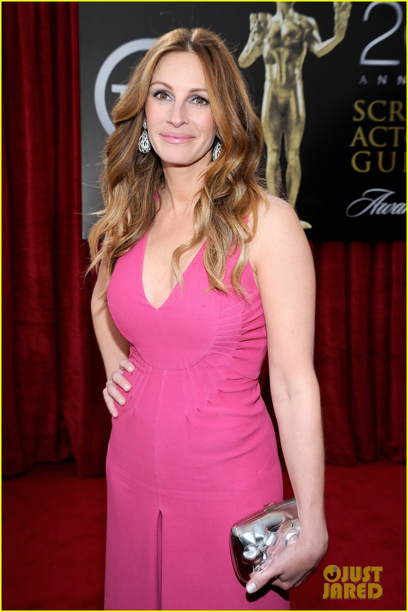 julia roberts sag awards 2014 red carpet 01