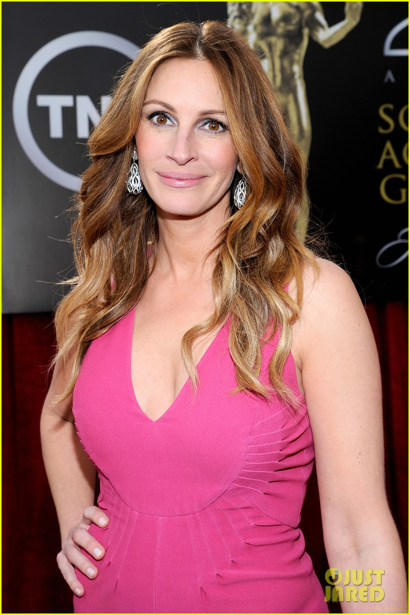 julia roberts sag awards 2014 red carpet 023034692