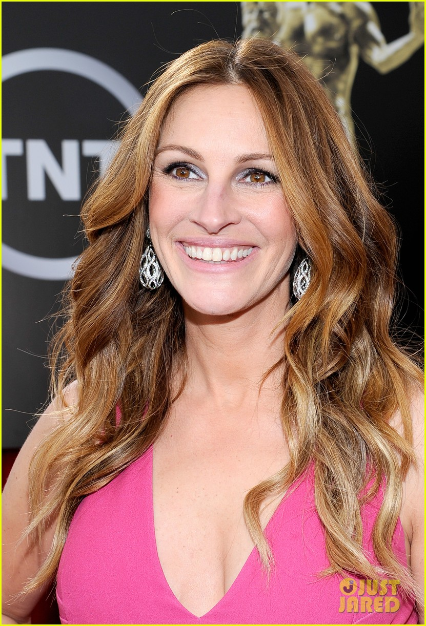 julia roberts sag awards 2014 red carpet 033034693