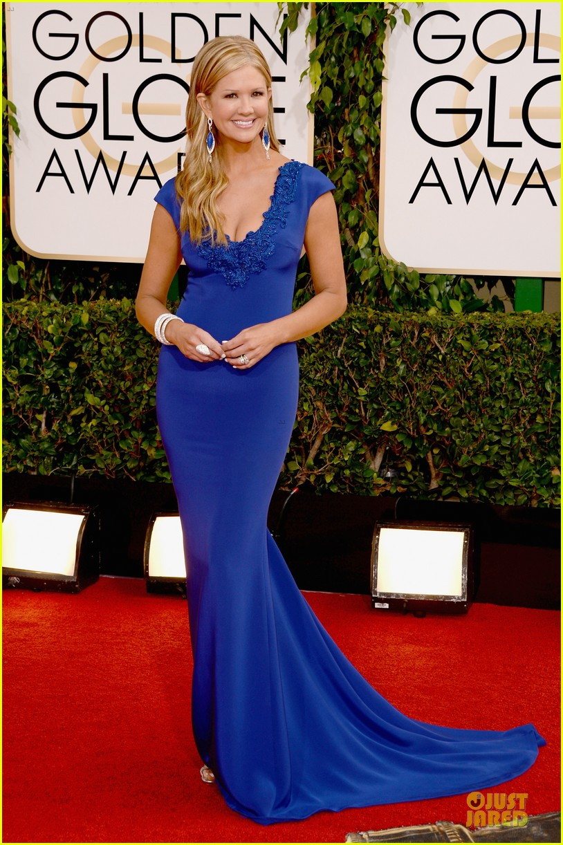 louise roe nancy odell golden globes 2014 red carpet 073029081