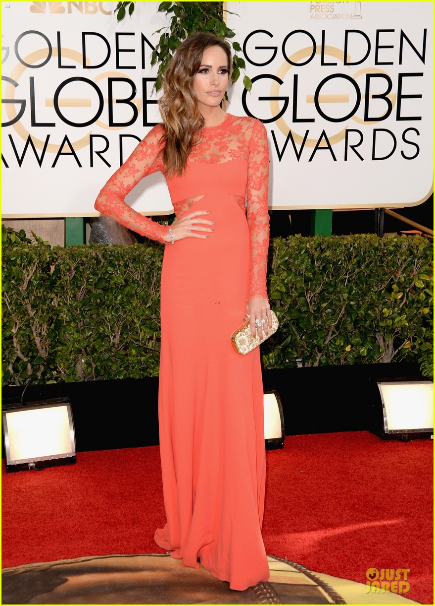 louise roe nancy odell golden globes 2014 red carpet 143029088