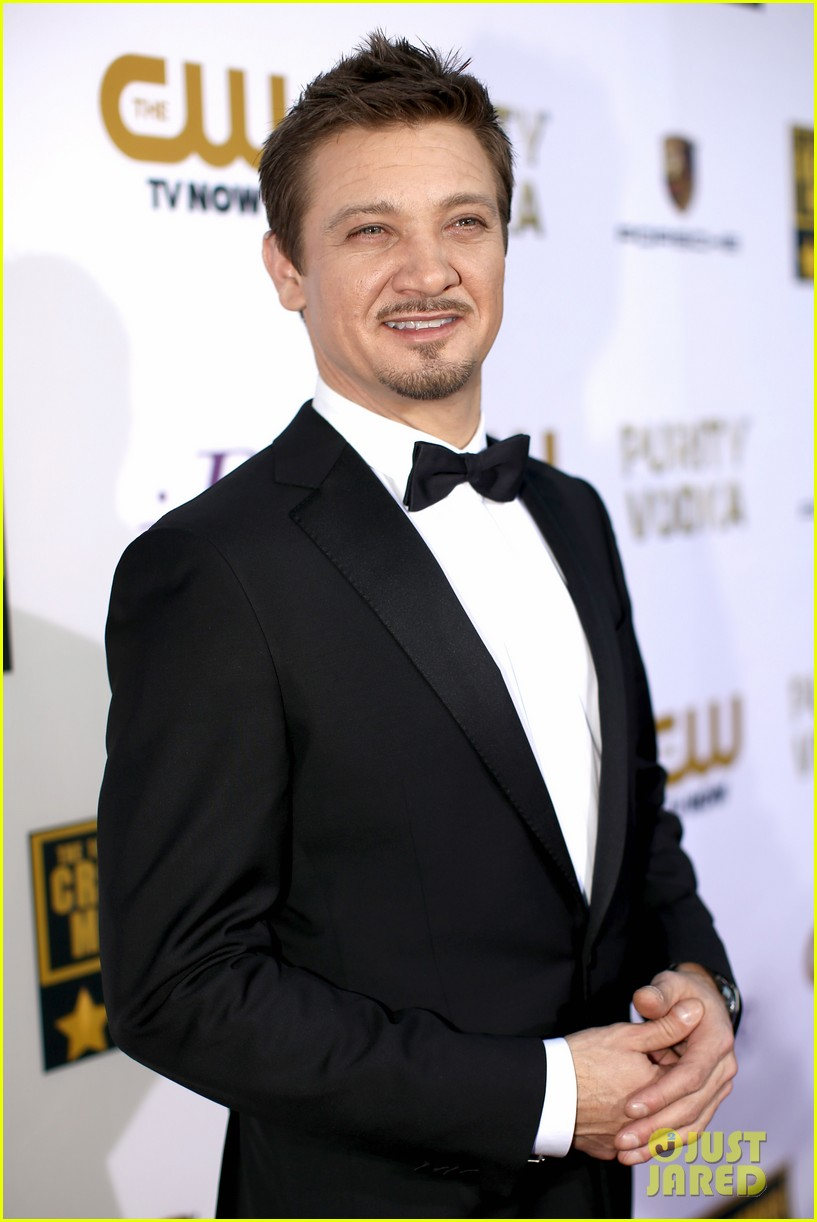 elisabeth rohm jeremy renner critics choice awards 2014 043033025