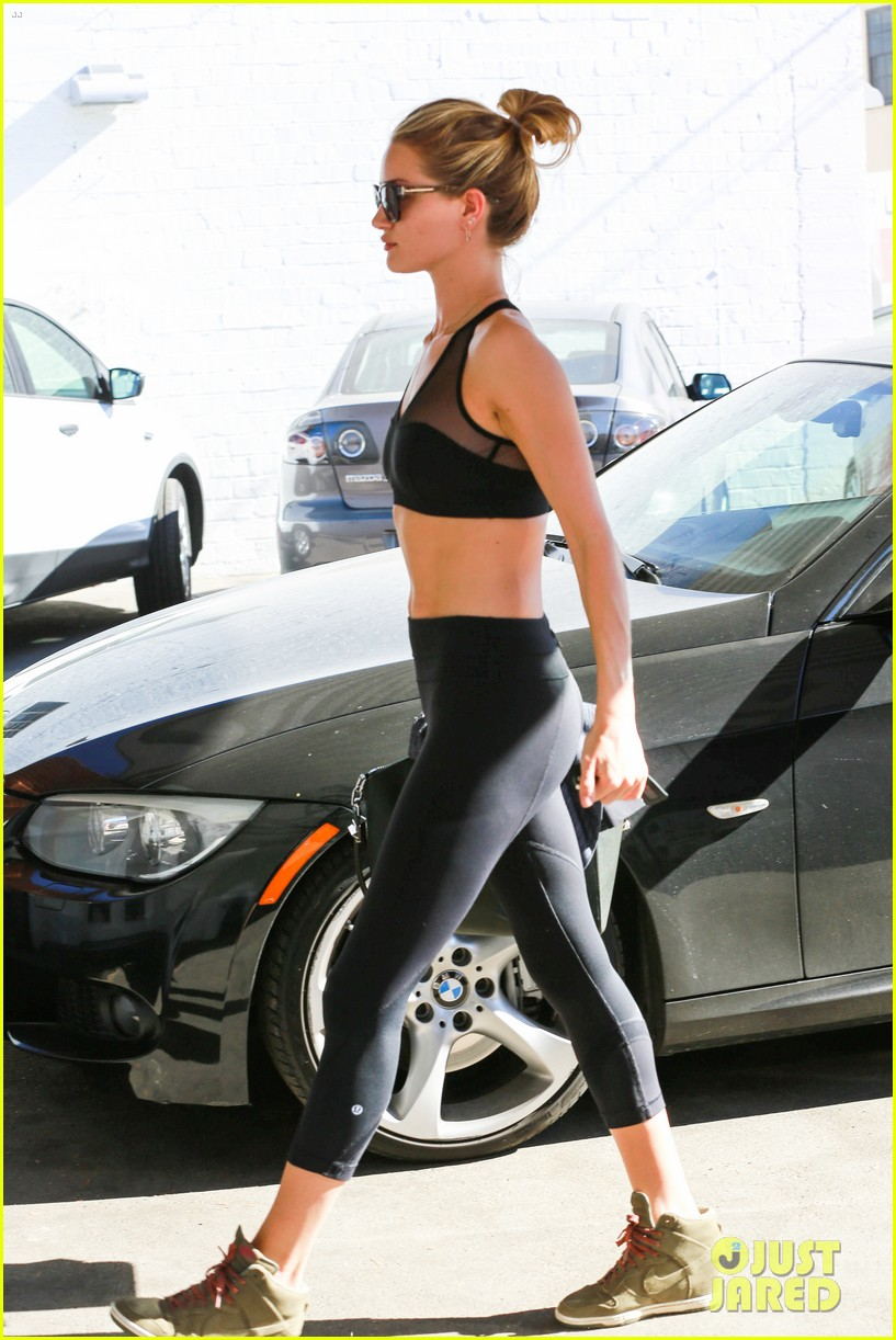 rose huntington whiteley dons sheer sports bra to gym 033035511