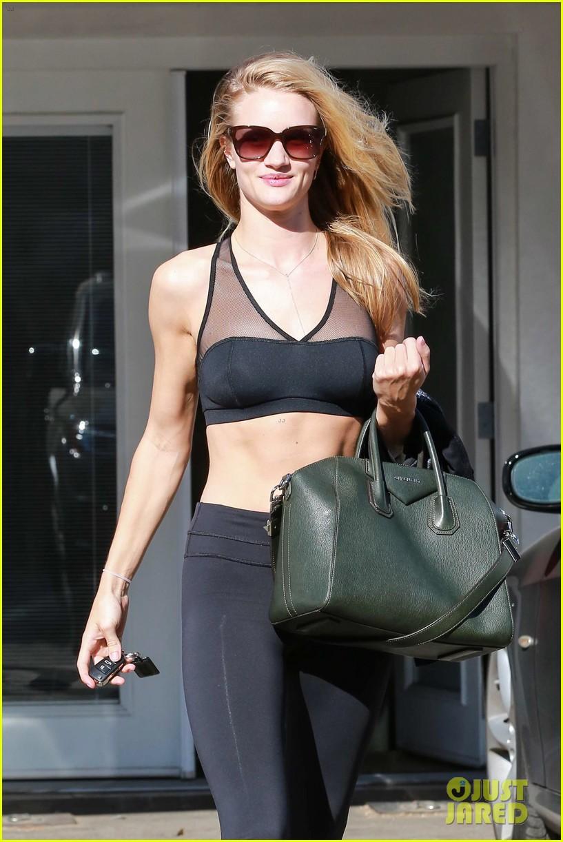 rose huntington whiteley dons sheer sports bra to gym 043035512