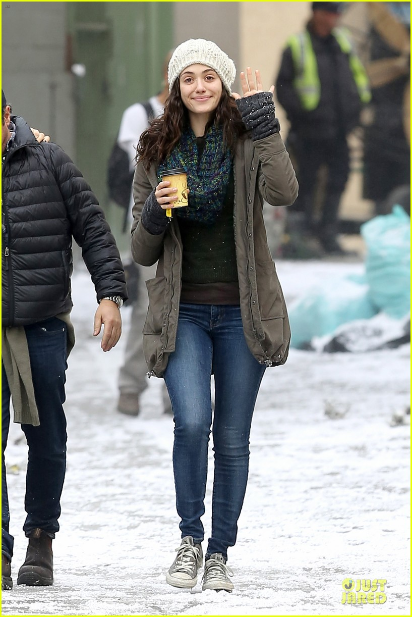emmy rossum crying scenes for shameless season four 103024749