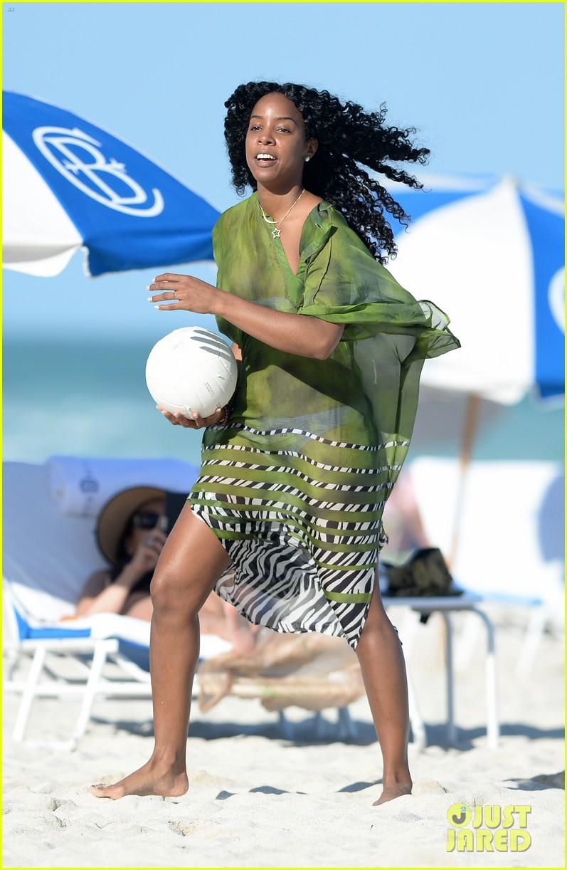 kelly rowland miami beach bikini babe 023021995