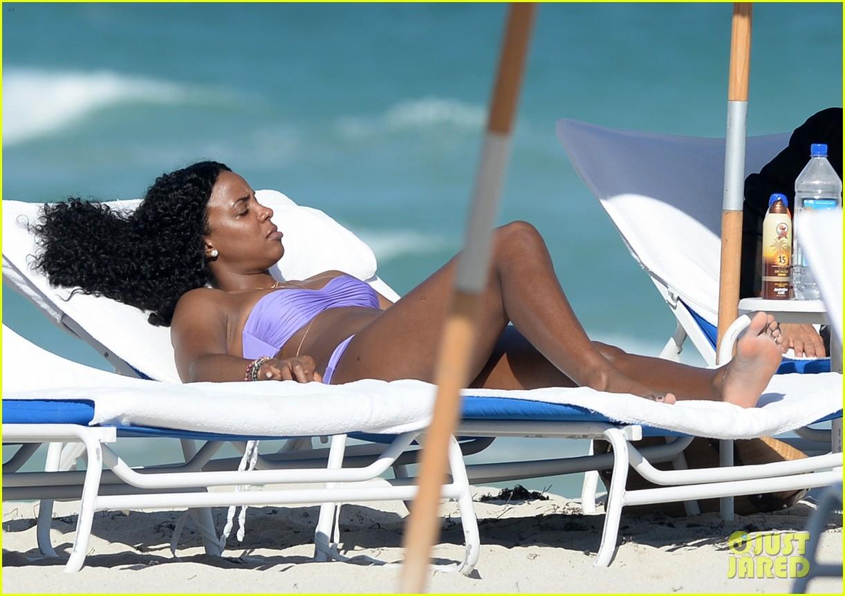 kelly rowland miami beach bikini babe 043021997