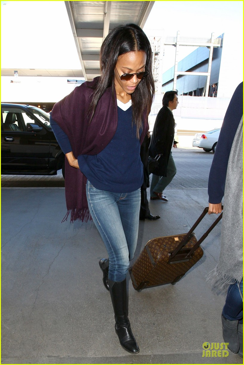 zoe saldana so much fun at the golden globes 033030790