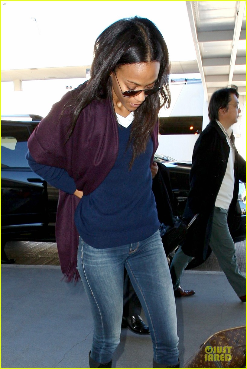 zoe saldana so much fun at the golden globes 11