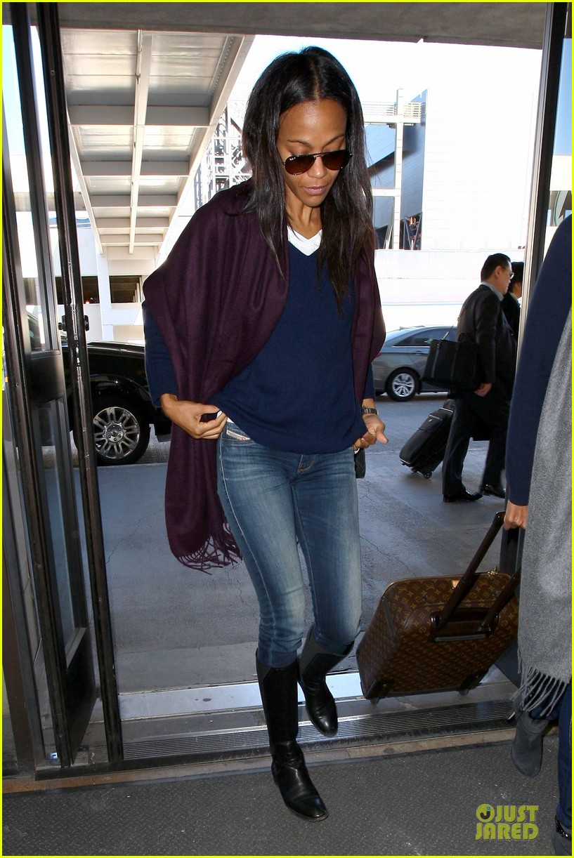 zoe saldana so much fun at the golden globes 123030799